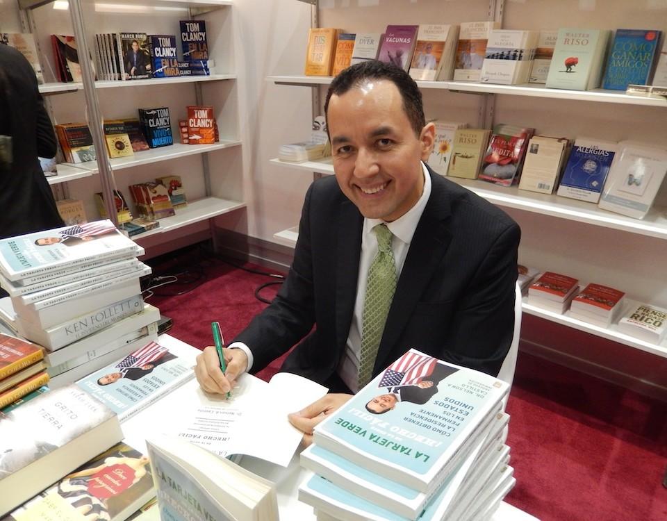 Nelson A. Castillo estará firmando libros y hablando con la gente el sábado 17 y domingo 18 de mayo, a partir de las 2:00 pm.