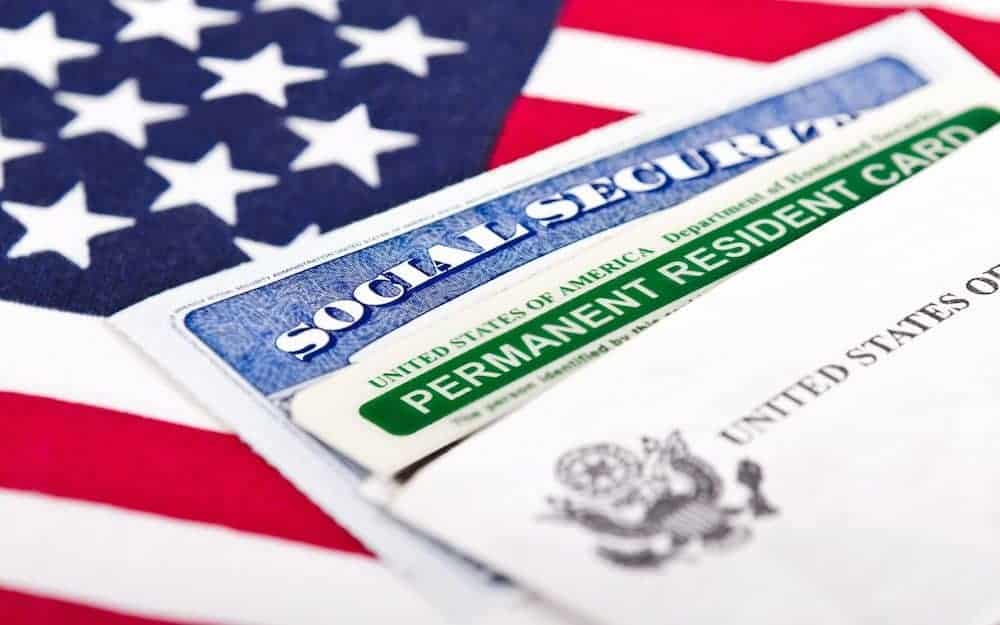 Flag socialsecurity greencard image
