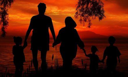 ¿Se puede hacer petición familiar para hijos o padres adoptivos?