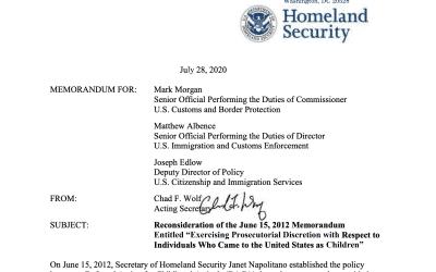 Departamento de Seguridad Nacional no aceptará nuevas inscripciones de DACA y reducirá el tiempo de renovaciones
