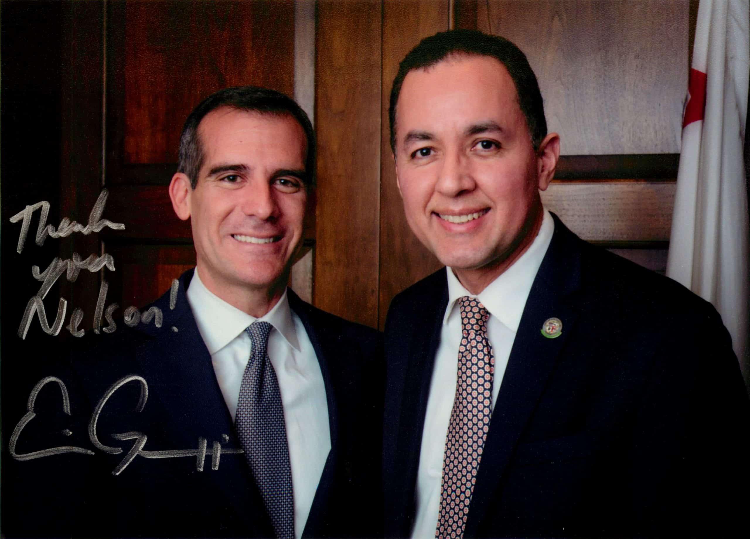 Abogado de Inmigracio%CC%81n Nelson A Castillo y el Alcalde de la Ciudad de Los A%CC%81ngeles Eric Garcetti scaled